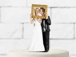 Figura Bolo Casamento Noivos Moldura Dourada 14.5cm
